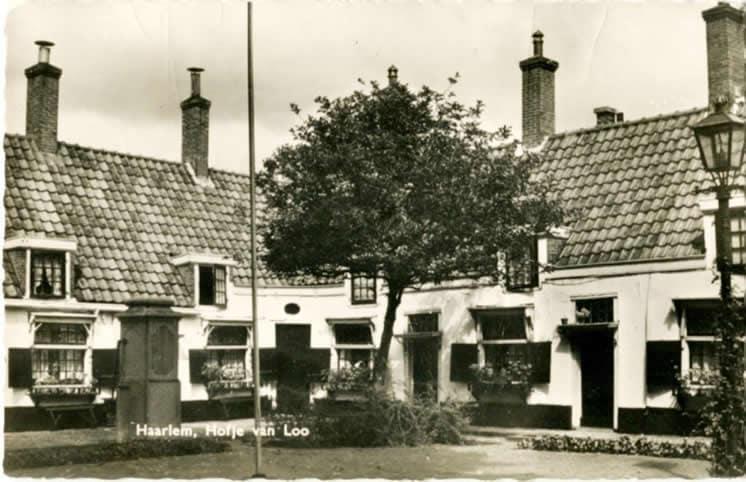 ansichtkaart Hofje van Loo Haarlem