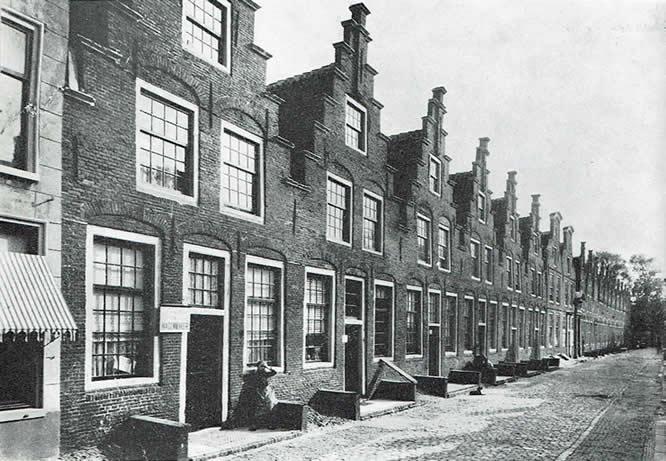 Haarlemse Elsiabethgasthuishuisjes in 1900