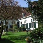 Doorkijkje in Haarlems oudste hofje