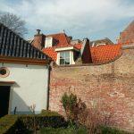Blokshofje, net over de muur